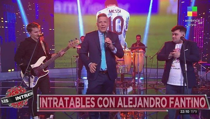 """Fantino made his debut as host of """"Intratables"""" with a music show dedicated to the Argentine National Team."""