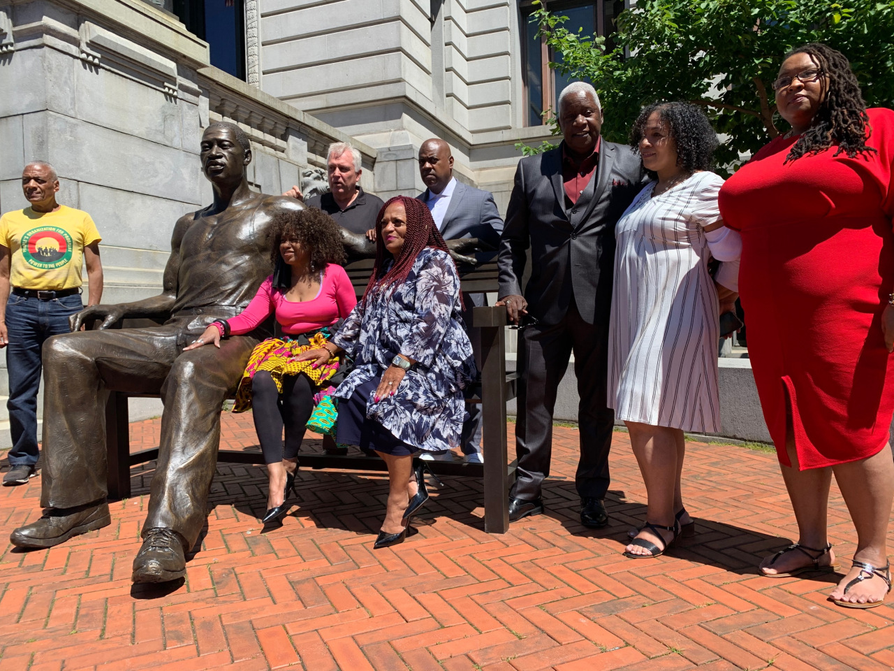 Newark pays tribute to George Floyd with 700-pound bronze statue