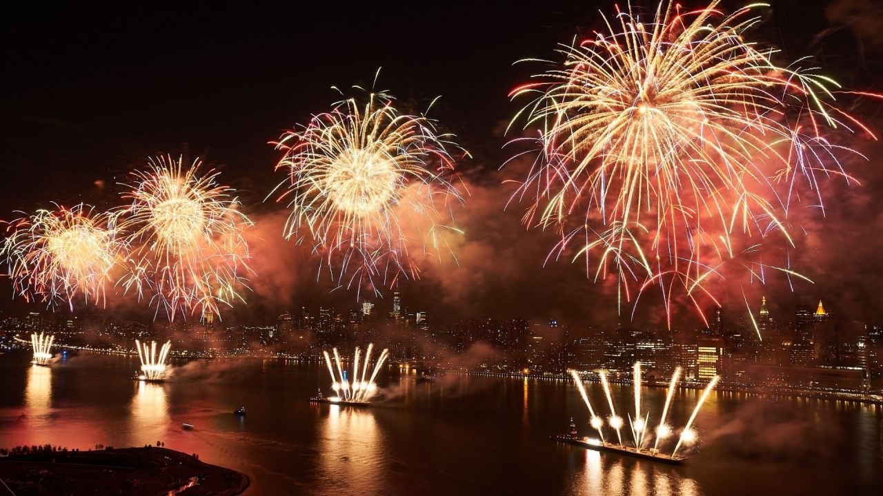 Where to watch the Macy's Fourth of July fireworks show in NYC
