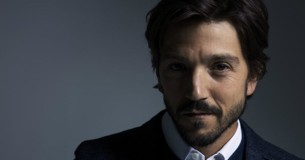 Diego Luna produces and directs a series for Netflix