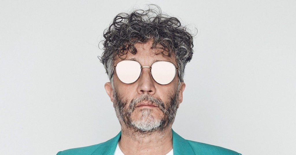 Fito Páez and his pandemic chronicles: between creation, jail or asylum