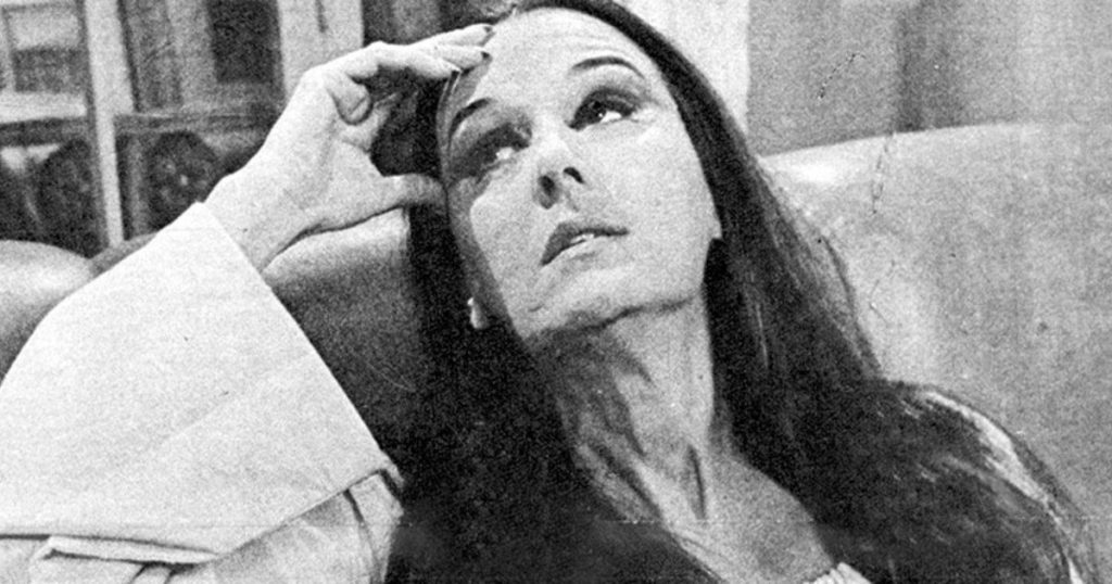 Eleonora, the character of Ana María Campoy who was scared with color TV