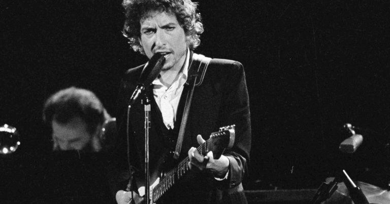 Like a Rolling Stone, Bob Dylan's song of hate and revenge