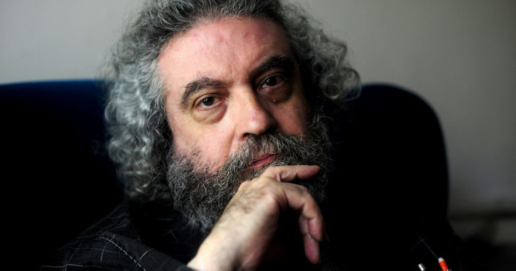 """Luis Chitarroni, celebrity of the literary world: """"I wrote with my back to the public"""""""