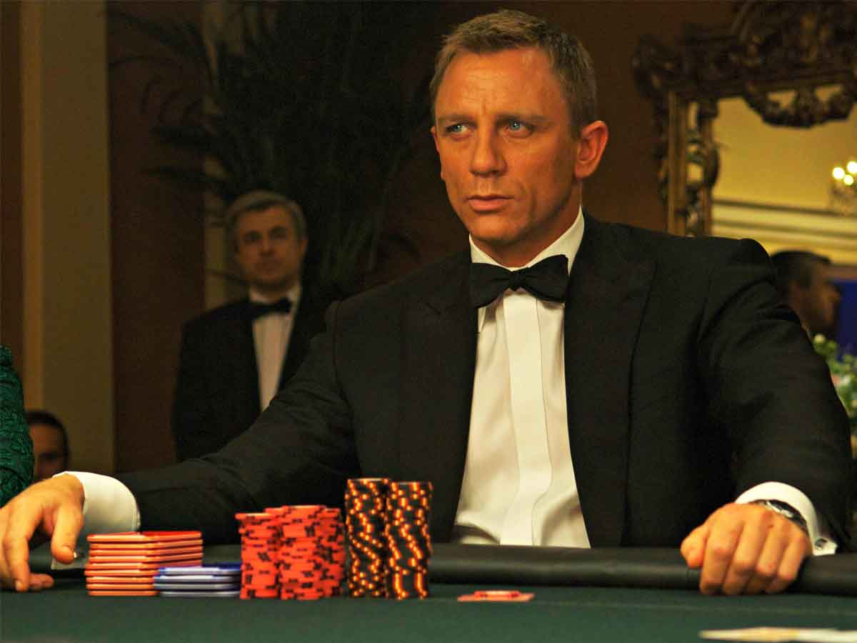 The Big Mistake at the End of Casino Royale (2006)