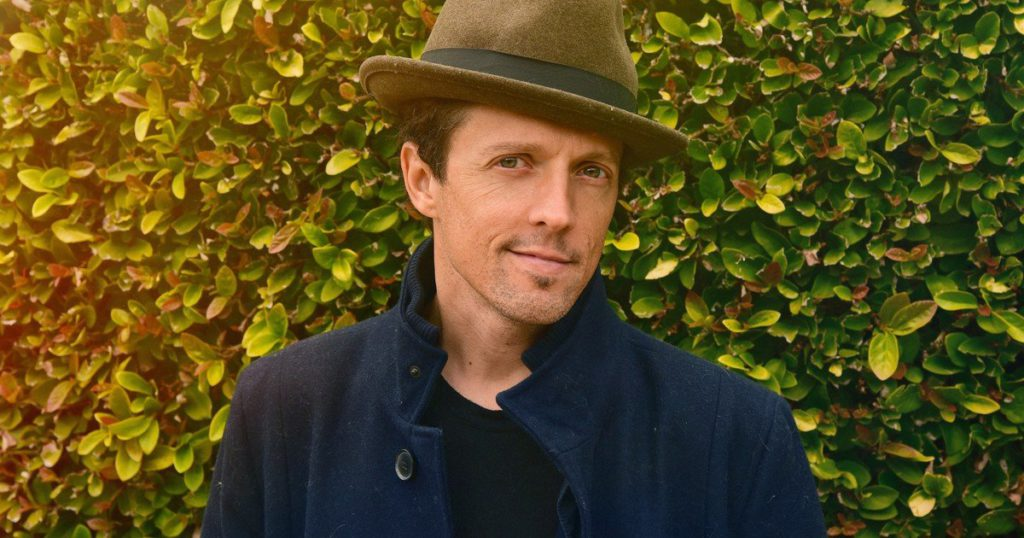 Jason Mraz, a hitmaker between art and activism: new album and a donation of 250 thousand dollars