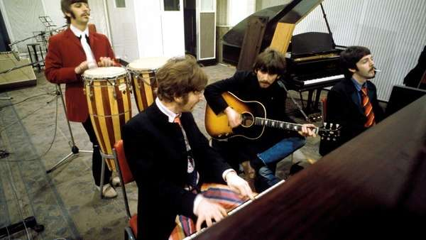 The Beatles, songs that sound in Space and a Lucy who travels through the sky, but for real