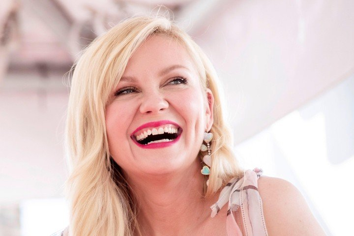 An unforgettable smile, that of Kirsten Dunst, who in 2019 earned her star on the Hollywood Walk of Fame.  Photo EFE / EPA / ETIENNE LAURENT