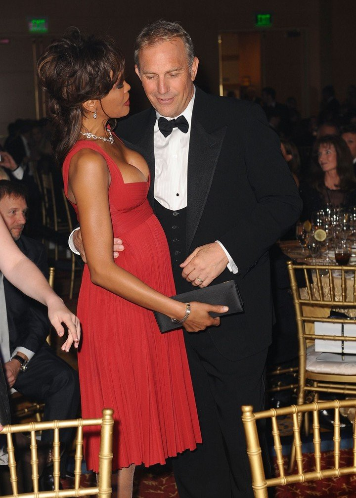 Whitney Houston and Kevin Costner, a couple that was a movie success.