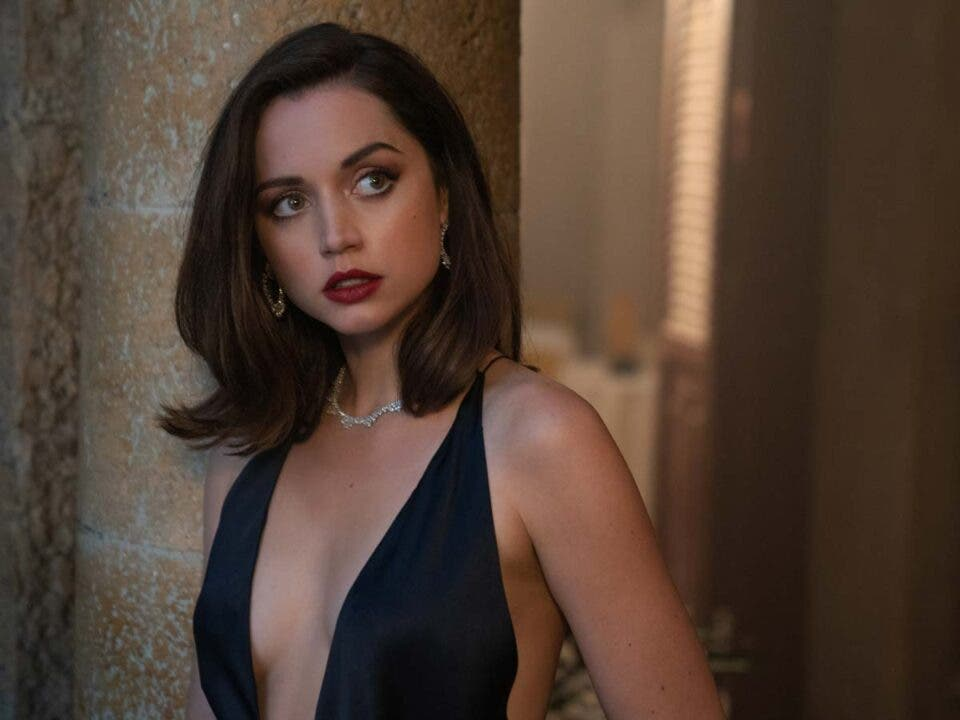 NO TIME TO DIE.  Ana de armas unleashed in the new advance