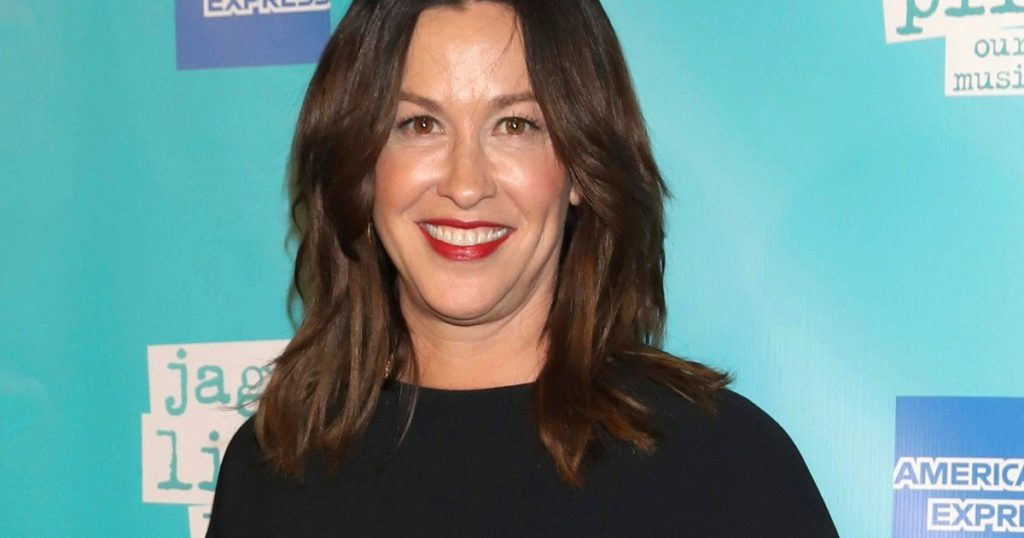 Alanis Morissette criticized the documentary Jagged as reductionist and salacious