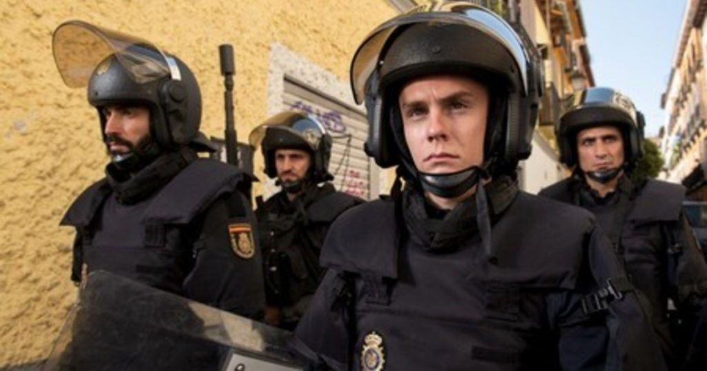 Anti-riot: the Spanish series that shows an eviction, but does not want you to move from where you are