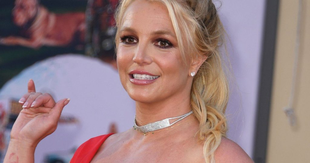Britney Spears announces she's marrying a model and personal trainer