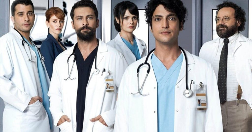 Doctor Milagro joins the era of the multiscreen, with fictions in several places at the same time