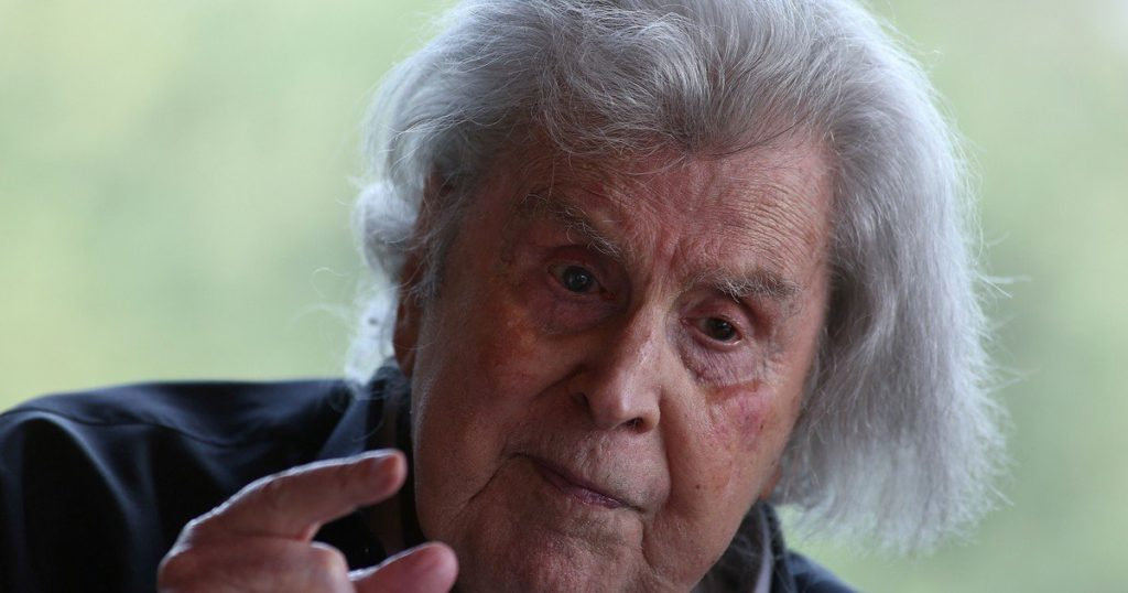 Mikis Theodorakis, creator committed to his ideals