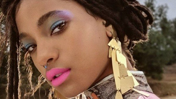 Willow Smith: after declaring herself polyamorous, goes on tour with Billie Eilish