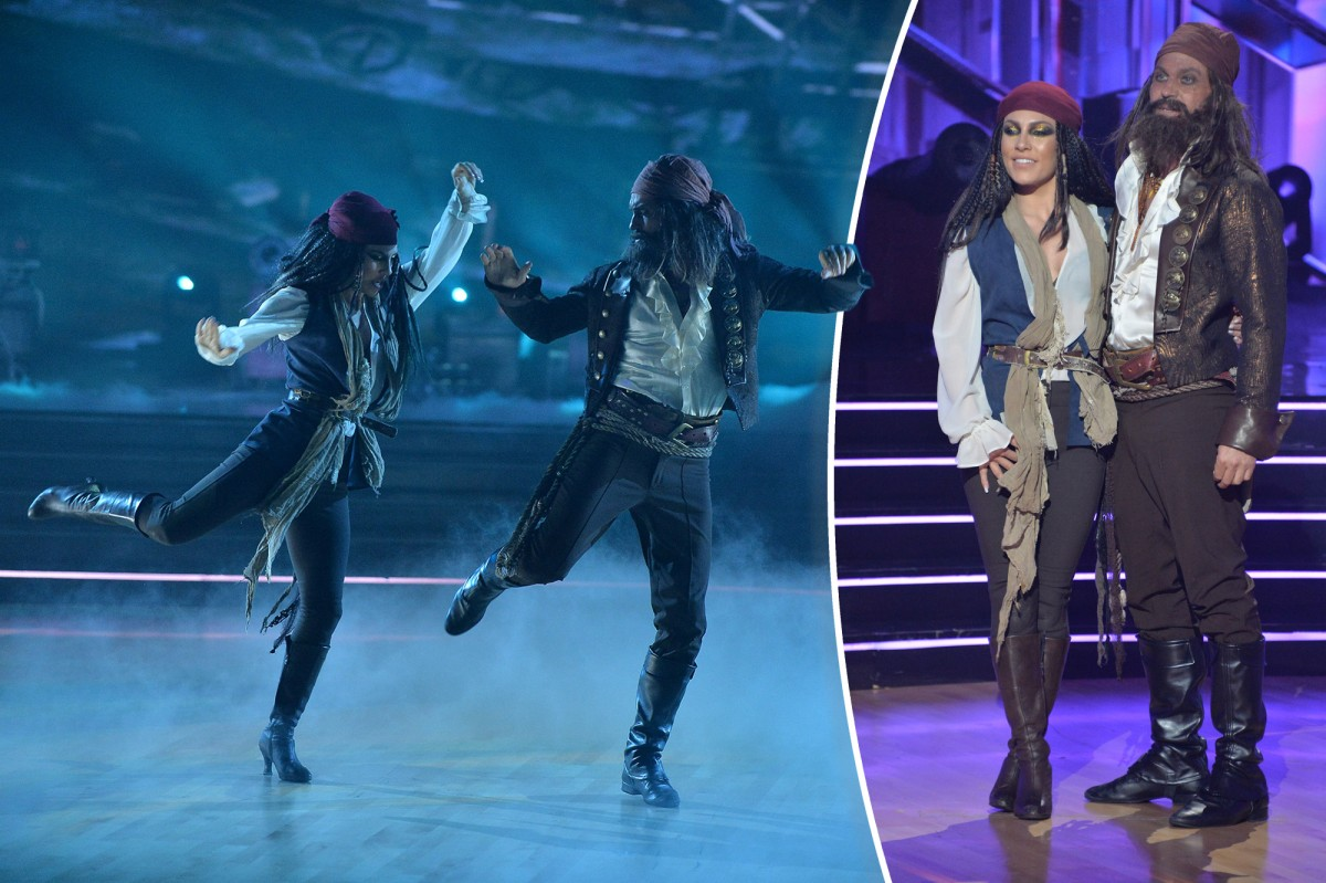'DWTS' pros on Sharna Burgess and Brian Austin Green elimination, PDA