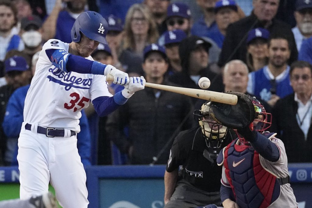 Cody Bellinger, Mookie Betts and Dodgers stun Braves with three-run comeback in Game 3, cut Atlanta's NLCS lead to 2-1