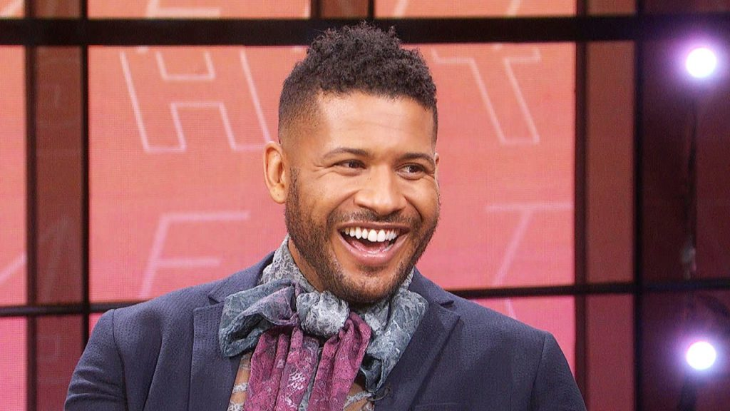 'Doogie Kamealoha, M.D.' Star Jeffrey Bowyer-Chapman on Why It Was the Perfect Time to Reboot the '90s Show