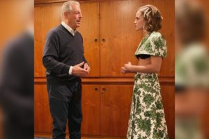 Emma Watson wears midriff-baring outfit to interview Al Gore