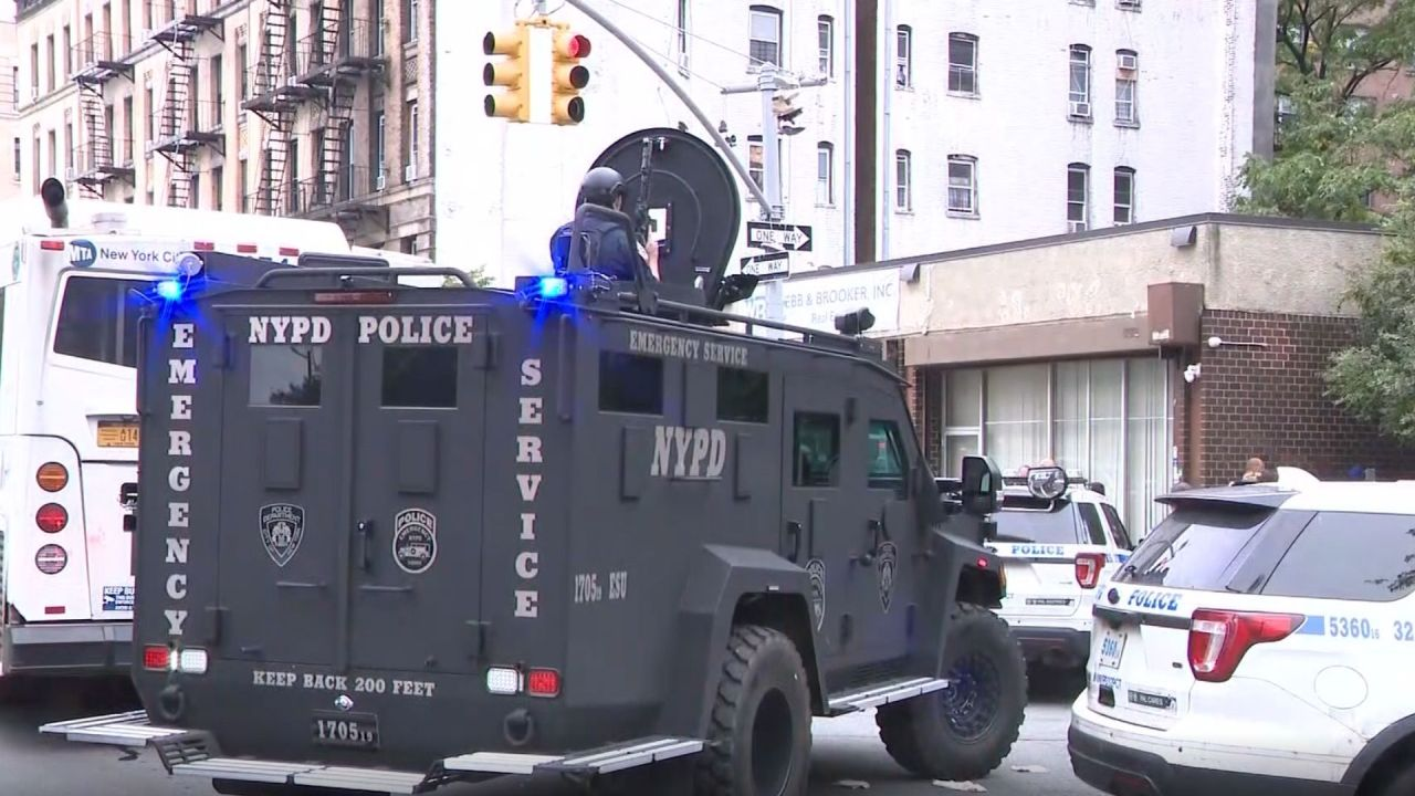 Harlem standoff: Man found dead after shooting at cops, holing up in apartment, police say