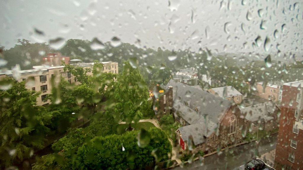 Heavy Rain, Damaging Winds Expected in DC Area Monday