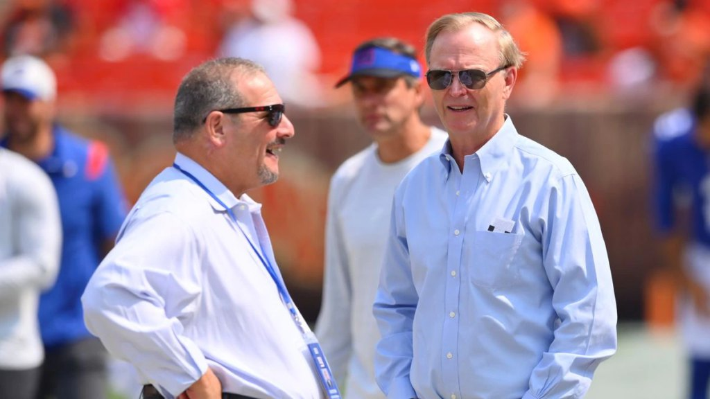 John Mara and Steve Tisch have to answer for this Giants mess