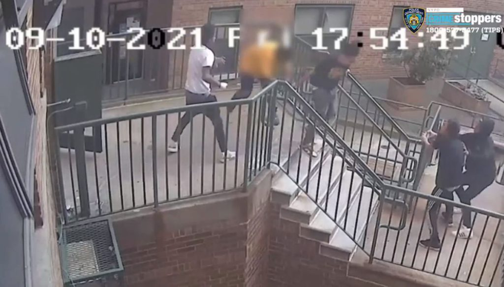 Police seek four suspects in Bronx stabbing