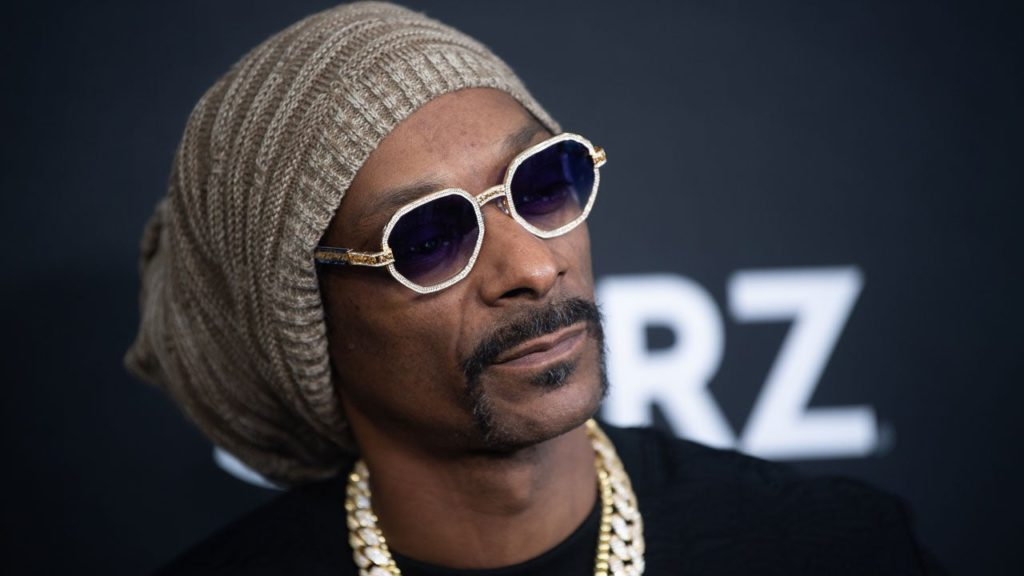 Snoop Dogg Mourns Death of Mother Beverly Tate With Heartfelt Tributes