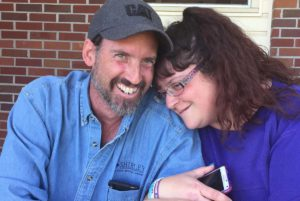 Virginia couple dies of COVID 2 weeks apart, leaving 5 orphans and a grandchild